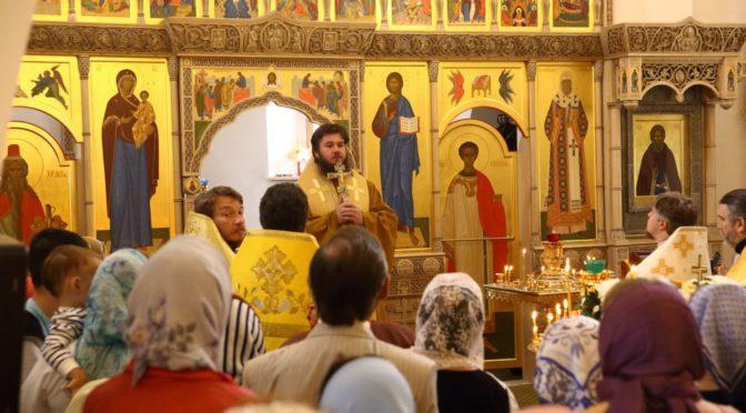 наместник Донского монастыря владыка Фома на подворье в Зеленоградском